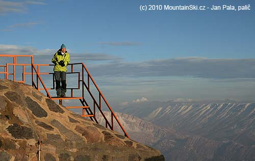 Podvečerní kochání se zvýšky 4200metrů– Aljona