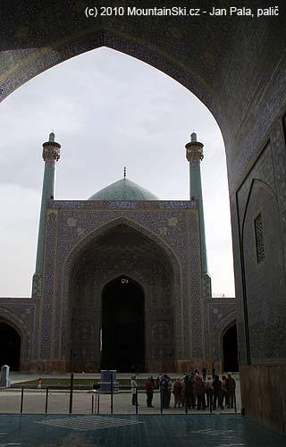 VEsfahanu se jdeme podívat na tuto vekou stavbu