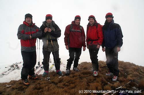 Na vrcholu 2056metrů nad bočním údolím Bjelasice
