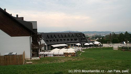 Hotel Arena a dojezd sjezdovky 5A