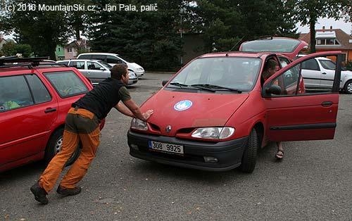 Special car of Česká asociace horských průvodců was somehowbroken