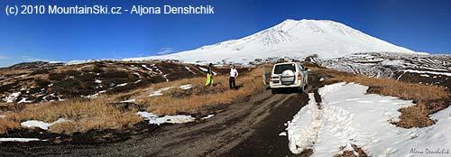 On the way to volcano Kozelskij