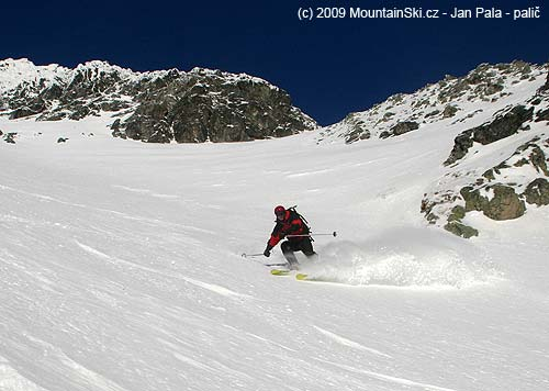 Všeťa sjíždí do Mlynické doliny ve Vysokých Tatrách