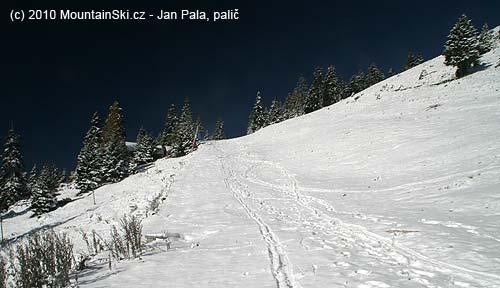 Tady předchozí skialpinista skončil se sjezdem