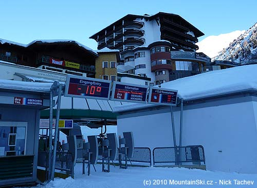 Temperature at the bottom station of gondola lift was–10C