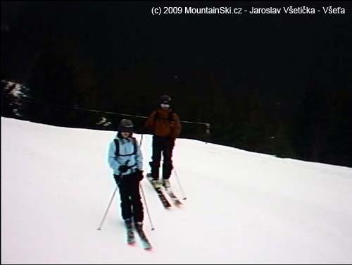 Slušní lyžaři slušně lyžovali jenom já jsem si stále naráželkoule