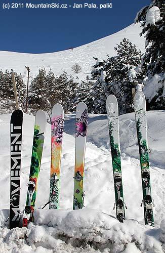 Polovina lyžařských výletníků jezdí na lyžích Movement