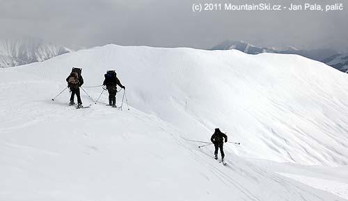 Gruzínská armáda při skialpinistickém výcviku vGudauri
