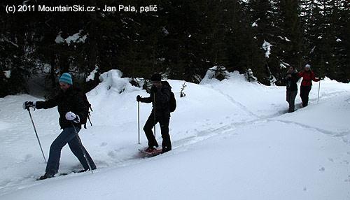 Sněžnicový výlet od ski centaru kCrnomu jezeru