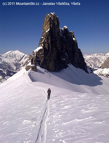 Kamenný pilíř Tschingellochtighorn 2735m