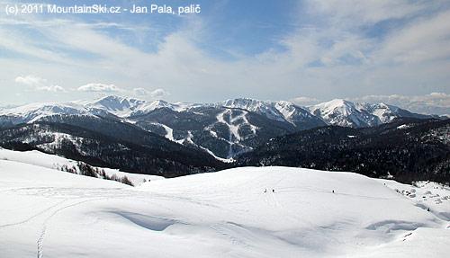 Výhled na novou část– zroku 2009– lyžařského střediska Jezerine