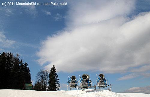 Sněhová děla vždy připravena– uhorní stanice kotvy