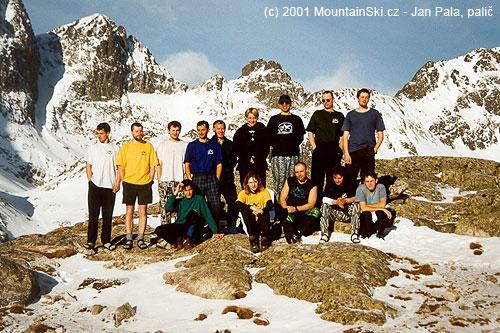 Část účastníků výletu vroce 2001