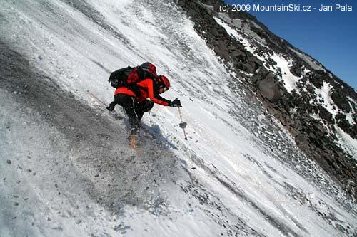 Matus skiing
