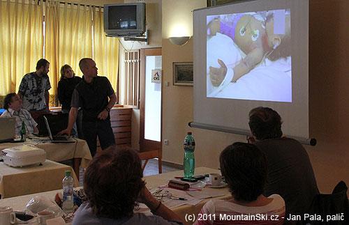 Martin Honzík rozebírá málem fatální uštknutí dvouleté holčičky zmijí obecnou
