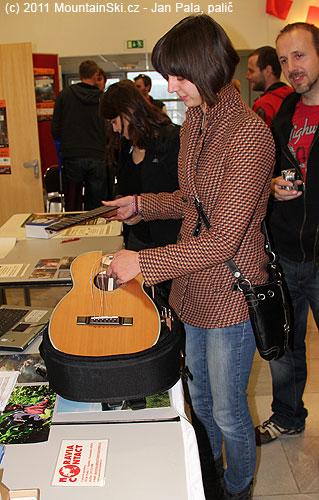 Skládací cestovní kytara– první krok kjejímu složení
