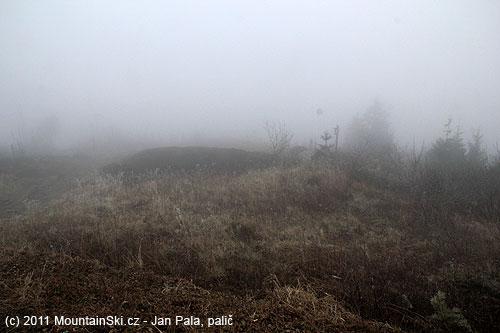 Bývalá severní černá sjezdovka– smutný a útrpný pohled