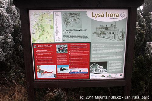 Tady se můžete dočíst, kdy začalo lyžování na Lysé Hoře, už se neuvádí, že díky Leo Košťálovi severní vlek skončil před více než desetilety