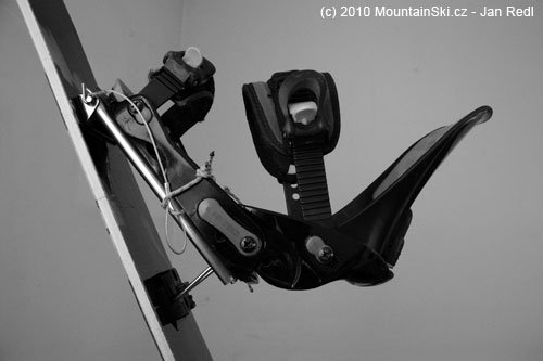 Obr. 146Na set Voilé se dá připevnit jakékoliv snowboardové vázání, tady nastavení pro přímý výstup do prudkéhosvahu