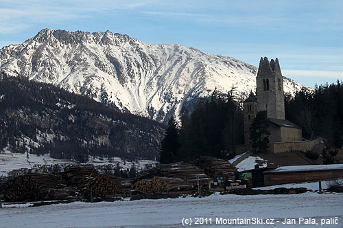 Švýcarské skladiště dřeva