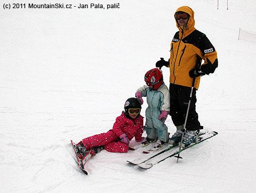 Další lyžařská výuková lekce právě začíná