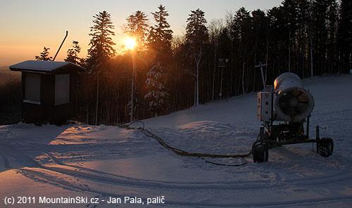 Nejvýše položené sněhové dělo na Jahodné