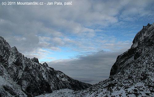 Parádní obloha pod Tatrami zVelké Studené doliny