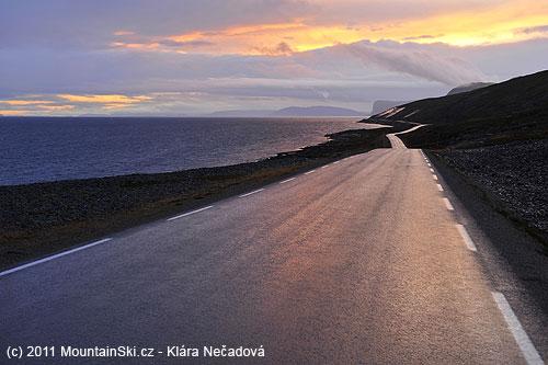 Norské pobřeží na cestě zpět do Oulu