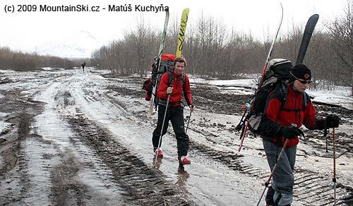 Dlouhé nástupy a návraty na Kamčatce– tady sopka Avačinskaja