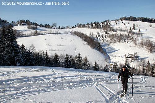 Druhý výstup na skialpech, vpozadí vpravo Přelač