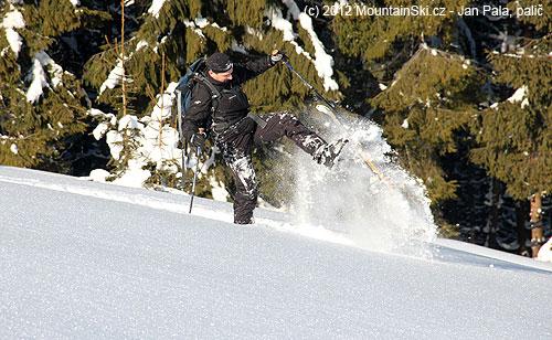 Ještě dostat lyže nad sníh