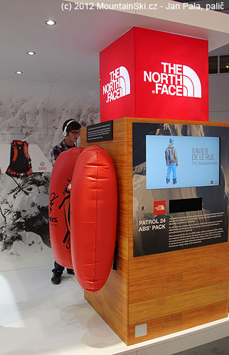 ABS batoh na stánku The North Face