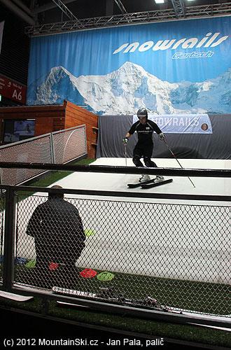 Další zřady lyžařských trenažérů do obývacího pokoje