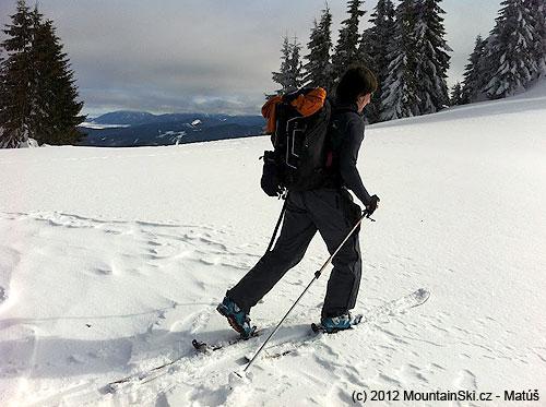 To je on, drahy ale potrebny ruksak Snowpulse Pro 35RAS