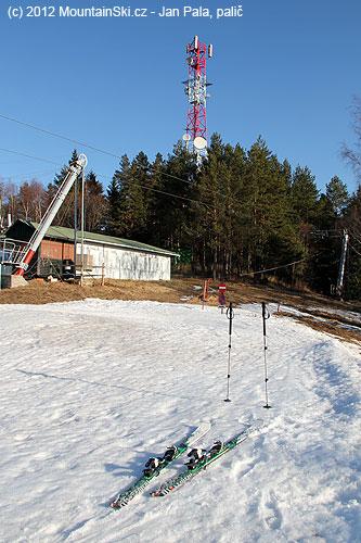 Unejvyššího bodu lyžařského střediska Plejsy