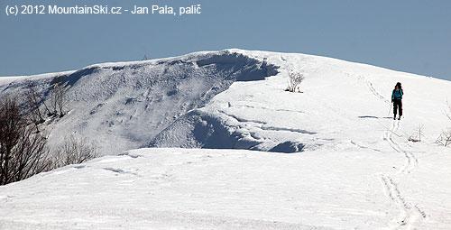 Sněhu bylo na hřebenu naváto neuvěřitelné množství