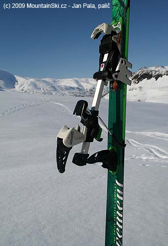 Diamir Eagle  with crampons– walking with heel elevator in the highest position