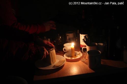 Příprava popůlnočního občerstvení