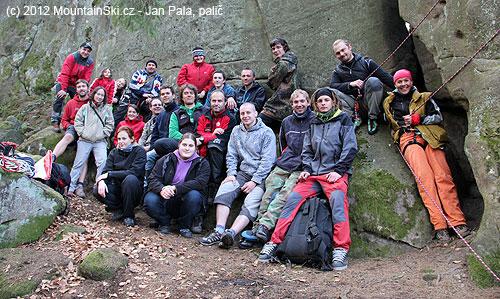 Neúplná skupina účastníků jarního školení uskály Štípa