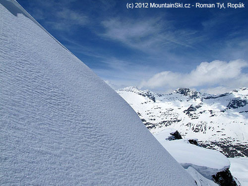 Cestou na vrchol Eisseekogelu neměly svahy cvičný sklon