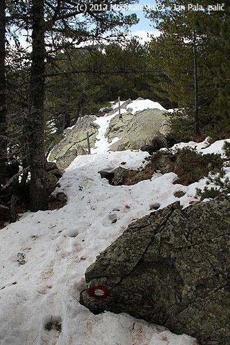 Místy byl skialpinistický výstup mírně obtížný