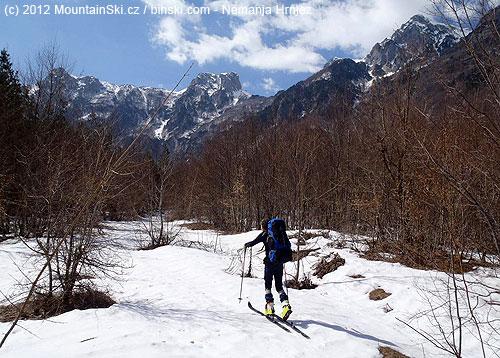Rakov laz pod severními hřebeny pohoří Prenj– zleva Taraš, Velika Motika a VelikaKapa