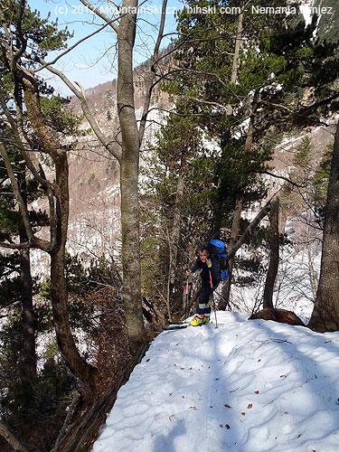 Výstup strmými svahy na Ploči pod severozápadním hřebenemZupca