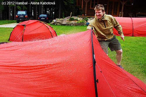 VJeseníkách opravdu pršelo… ve stanech bylo ovšemsucho