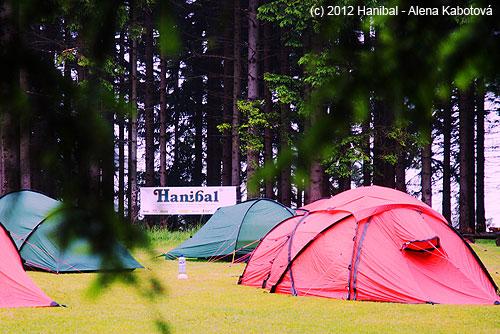 Táborové ležení po ránu