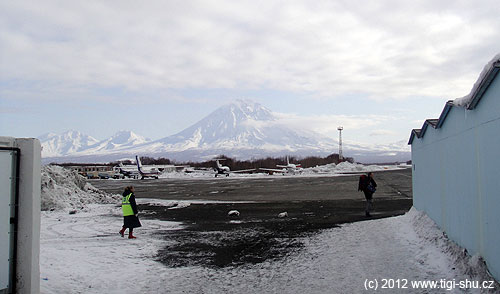Letiště vPetropavlosku nabízí neskutečné pohledy na okolní vulkány