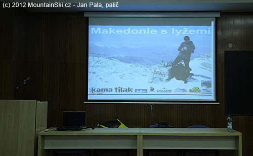 Úvodní obrázek mého promítání– Makedonie slyžemi– vrchol Golem Korabu na makedonsko-albánských hranicích
