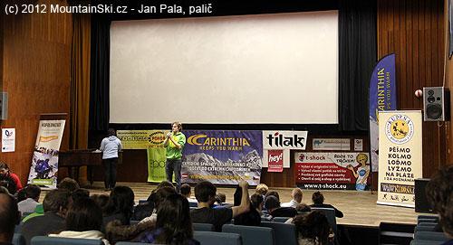 Pavel Pichler při losování cen na závěr festivalu