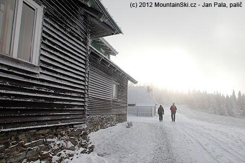 Sobotní ranní odchod zchaty Švýcarna na skoro celodenní pěšívýlet