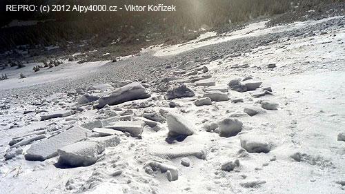 Pohled na celé laviniště přímo od odtrhu